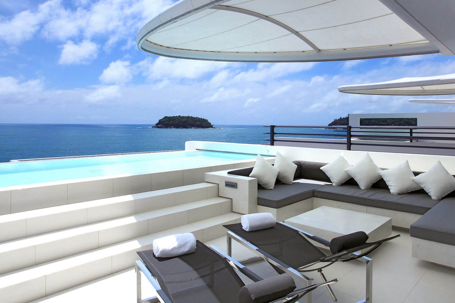 Two-bedroom Sky Pool Villas