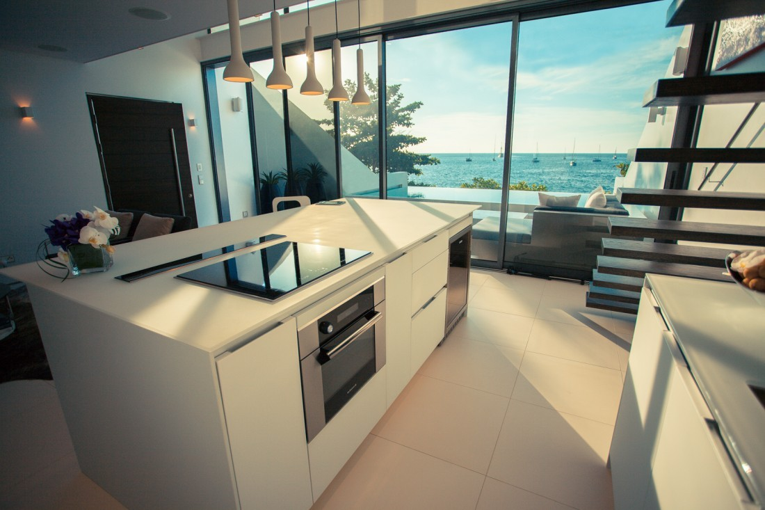 Contemporary Smart Kitchens Redefine Modern Luxury