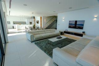 Four-bedroom Penthouse Sky Villa 02