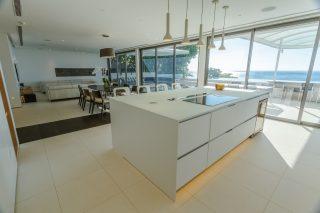 Four-bedroom Penthouse Sky Villa 01