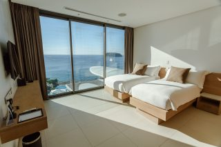 Four-bedroom Penthouse Sky Villa 16