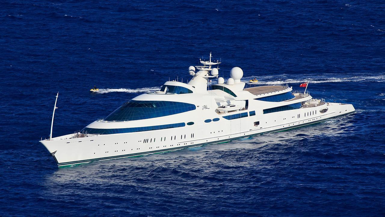 yas superyacht luxury Phuket kata rocks
