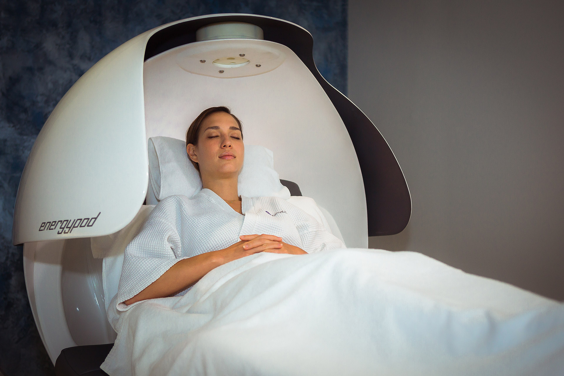 Ultimate Jet Lag Relief with Infinite Luxury Spa's Energy Pod
