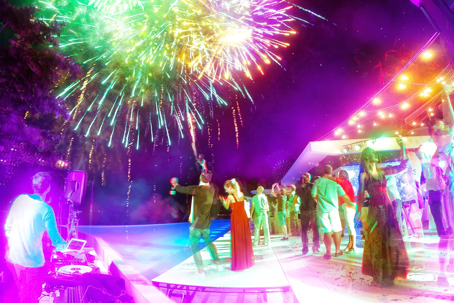 CELEBRATE THE 2017 FESTIVE SEASON WITH KATA ROCKS PHUKET