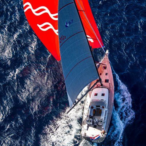 Contest Yacht