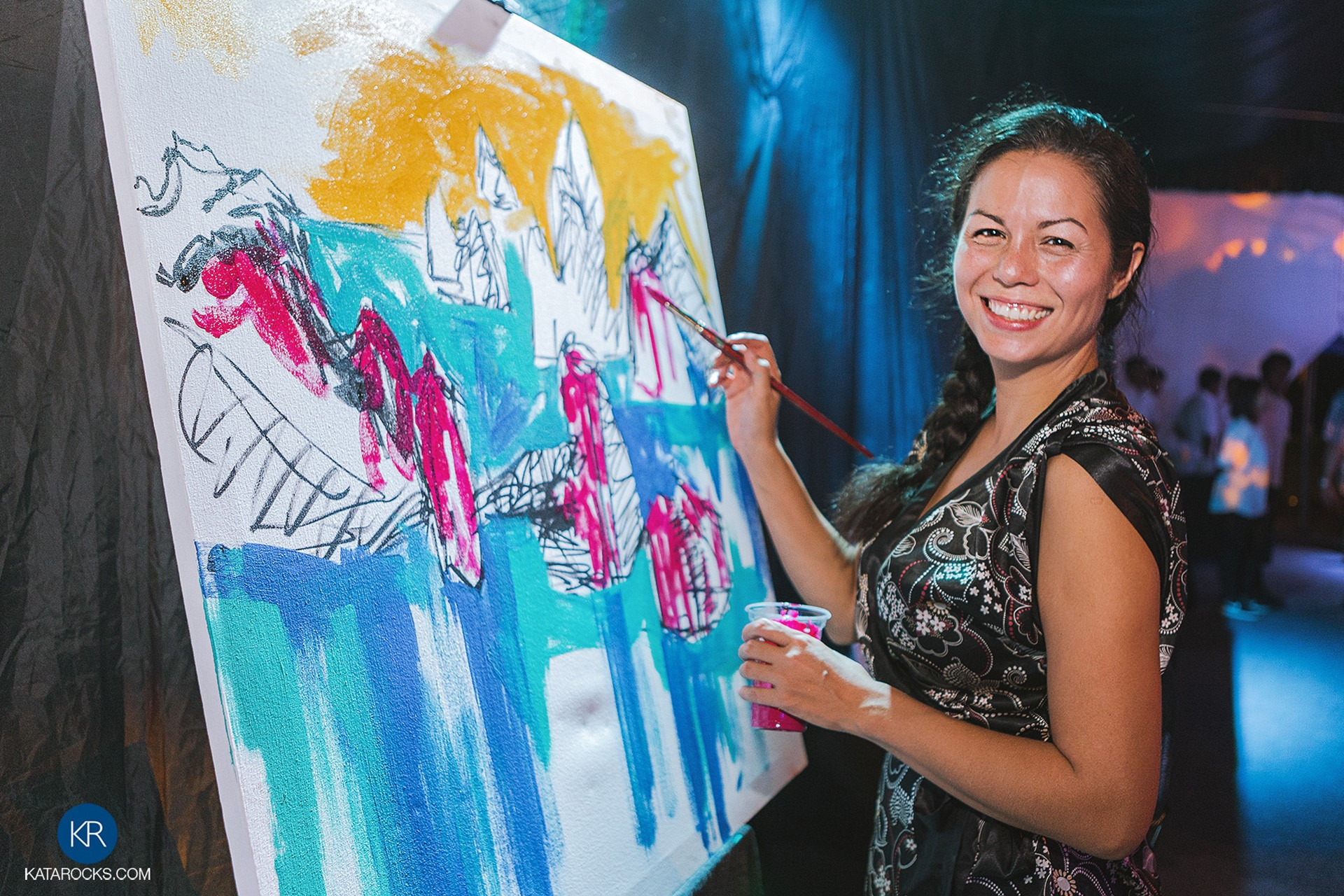 Kata Rocks Pops Up at Phuket Has Been Good to Us - Phuket Charity event paint