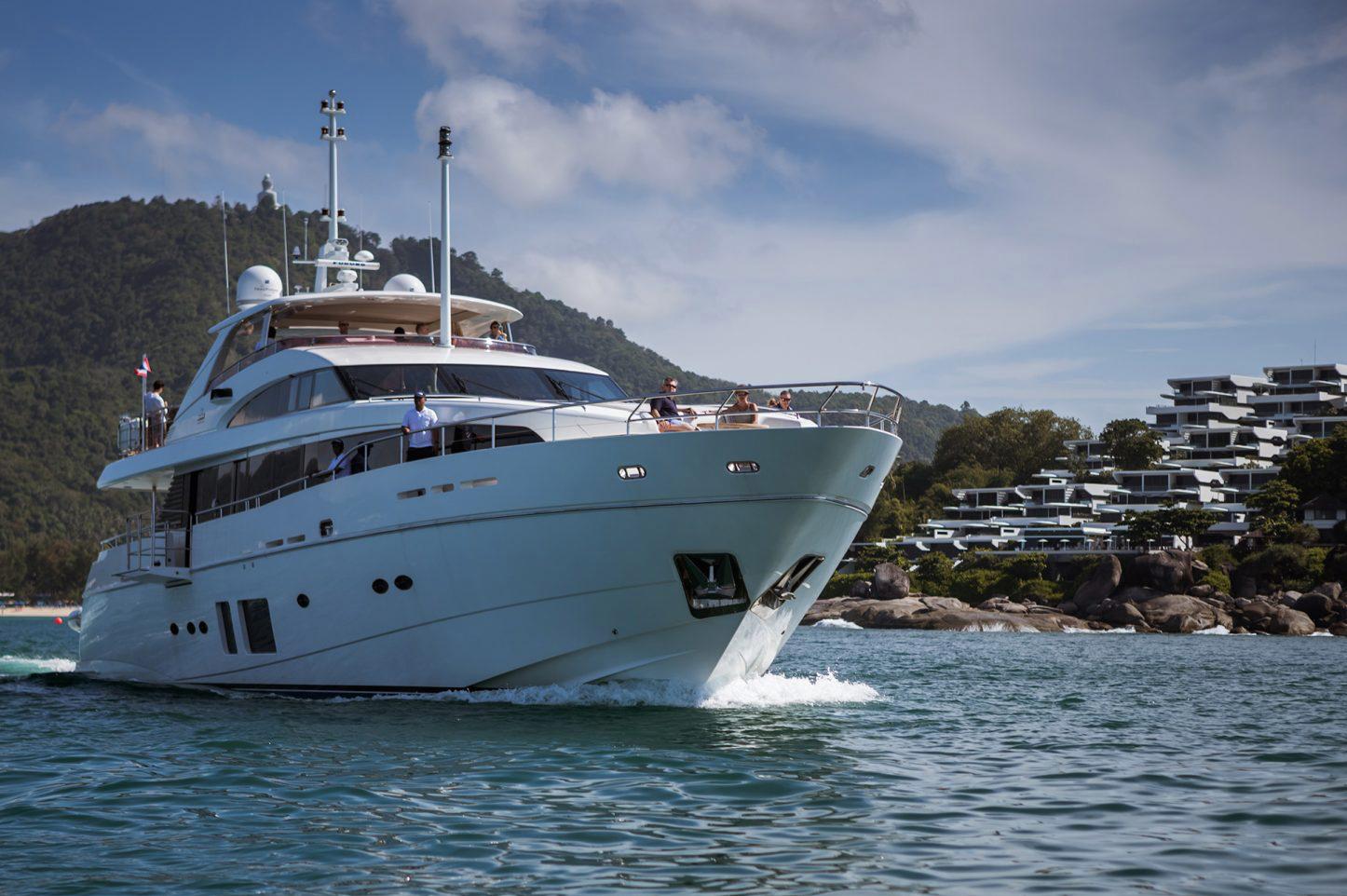 Kata Rocks - Yacht charter