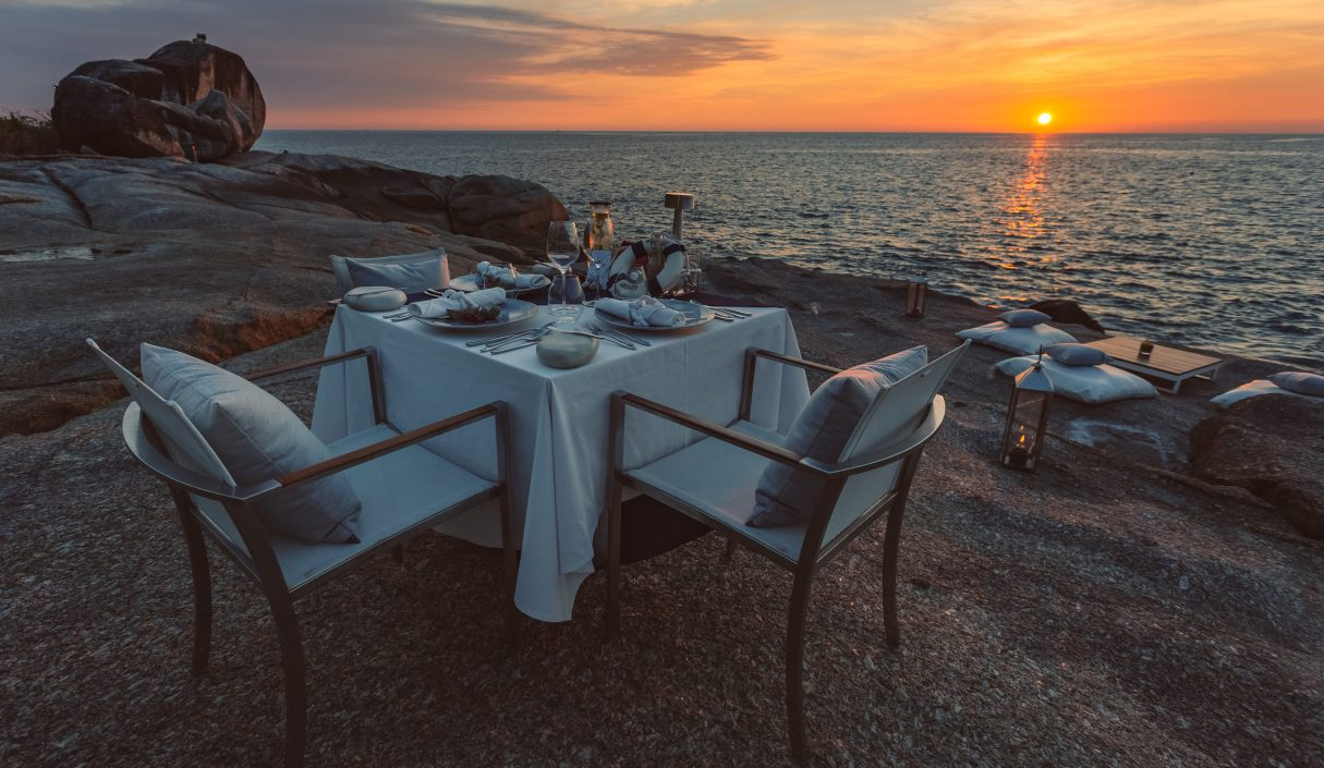 Dining on the Rocks