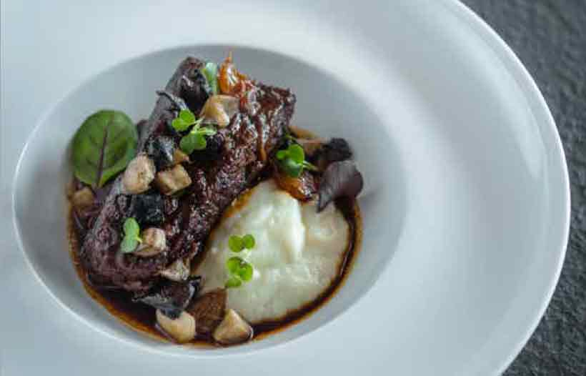 SLOW-COOKED WAGYU BEEF SHORT RIB