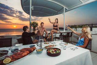 In-villa Dining 01