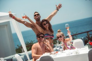 Signature Brunch Pool Party 10