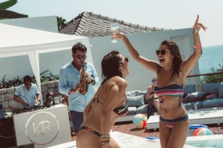 Signature Brunch Pool Party 12