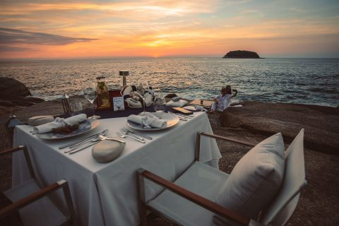 Dining 'On the Rocks'